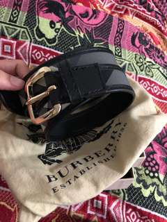 Burberry belt with box n bag