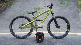 dartmoor shine slopestyle  dj bike