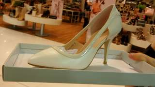 Off White Heels Mall Price:P2,000