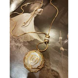 Rosr gold necklace