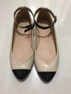 Nina Posh Pocket Shoes (Cream)