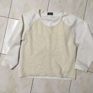 [OFFER] White Long sleeve Top