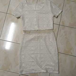 [OFFER] Lacey classic Dress
