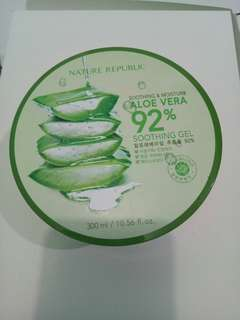 ALOEVERA SOOTHING GEL