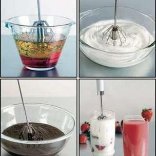 Mixer manual pengocok telur manual