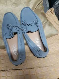 Deneat shoes