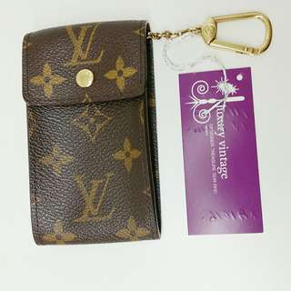 LV Porte-Cles Badge
