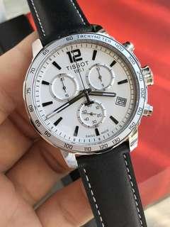 (🈶️多色可選擇)正品瑞士天梭時捷系列石英男士手錶運動多功能男錶T095.417.16.037.00,錶盤直徑:42mm錶殼釆用316L精鋼打造,小牛皮錶帶佩戴舒適透氣,✅