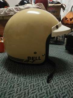 Helmet bell rt Singapore putih cream