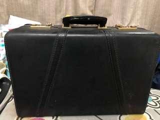 Vintage Hitt briefcase