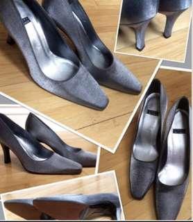⭐️️Brand New Stuart Weitzman size 7 silver/grey silk classic pumps👠