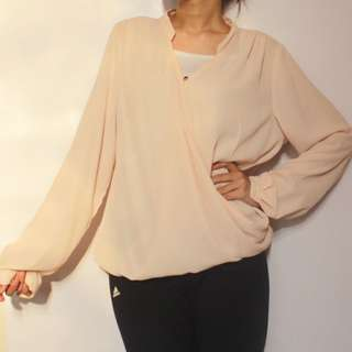 The executive blouse peach
