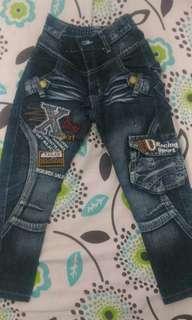 Celana jeans 6-7y