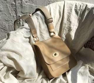 🚚 現貨 復古款金屬釦方形斜背包 口金包