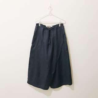 🚚 17 番塔塔 設計寬褲 購於 Pinkoi 網站 口袋有設計師別緻的刺繡作品