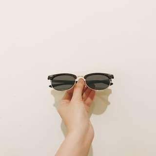 🚚 19 H&M 太陽眼鏡 防曬 墨鏡 夏日艷陽好物 旅行必備