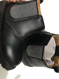 1 YEAR OLD H&M BLACK SHOES