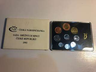Czech 1993 coin set in original packing with 1 bimetallic coin