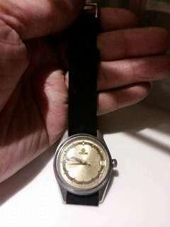 梅花錶 Titoni 用手上鏈  操作正常。錶面大約3cm