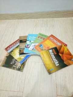Paket buku pelajaran kelas 10 / SMA 1