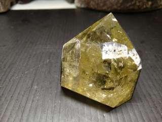 🚚 #29 天然高檔漂亮的黃水晶晶柱(與黑碧璽共生主偏財)重89公克(提升你的偏財運)