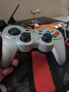 Logitech F710 gaming controller
