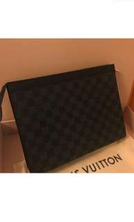 🆕Authentic LV DAMIER Clutch