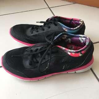 Rubi Sports Shoes