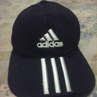 Topi Adidas