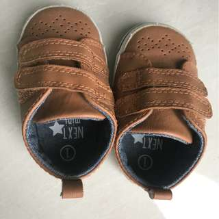 Boys baby shoes 3-6 mos