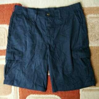 Celana pendek redkap