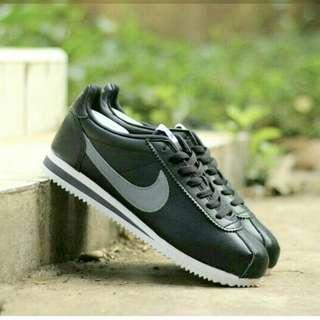 Nike courtez made indonesia bnwb