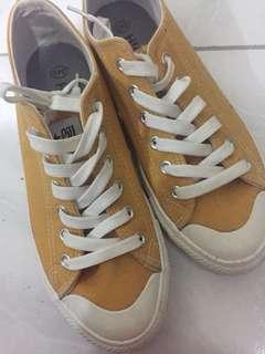 🚚 黃色 帆布鞋 小黃鞋 24.5號