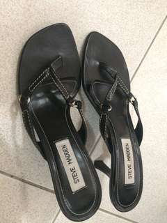 Steve Madden leather thong heel