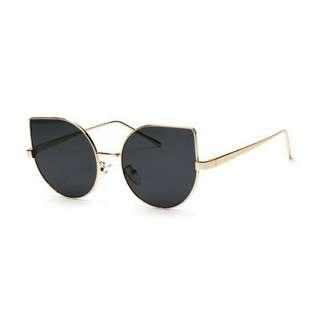 Sunglasses Fendi 2.0 Cat Eye 💞