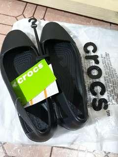 Crocs Feels