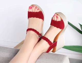 MAY 18 WEDGE SANDALS (KG)