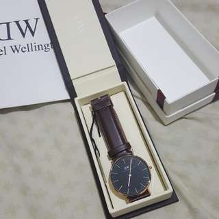 Authentic daniel wellington 40mm