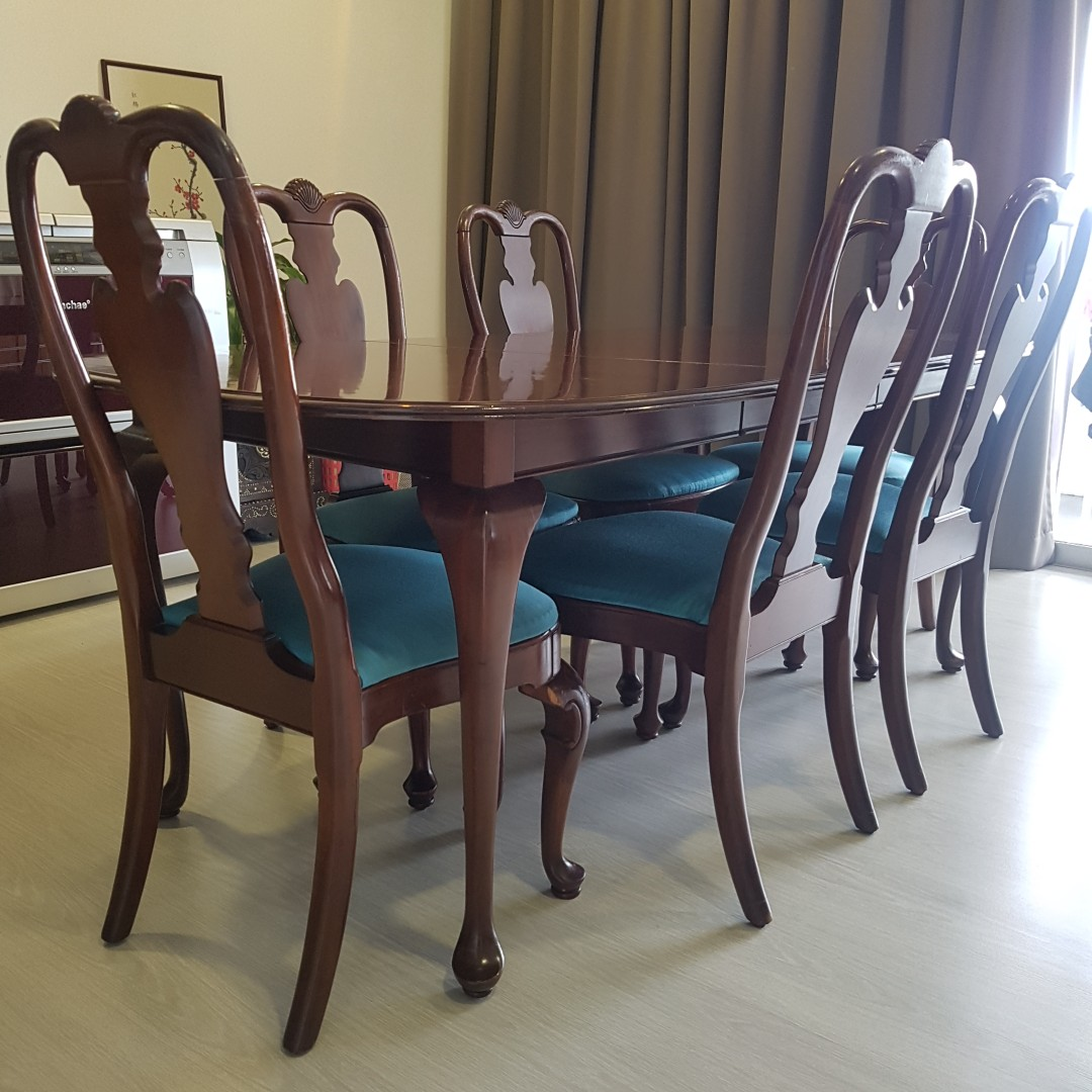 Georgian Court Dining Table Chairs