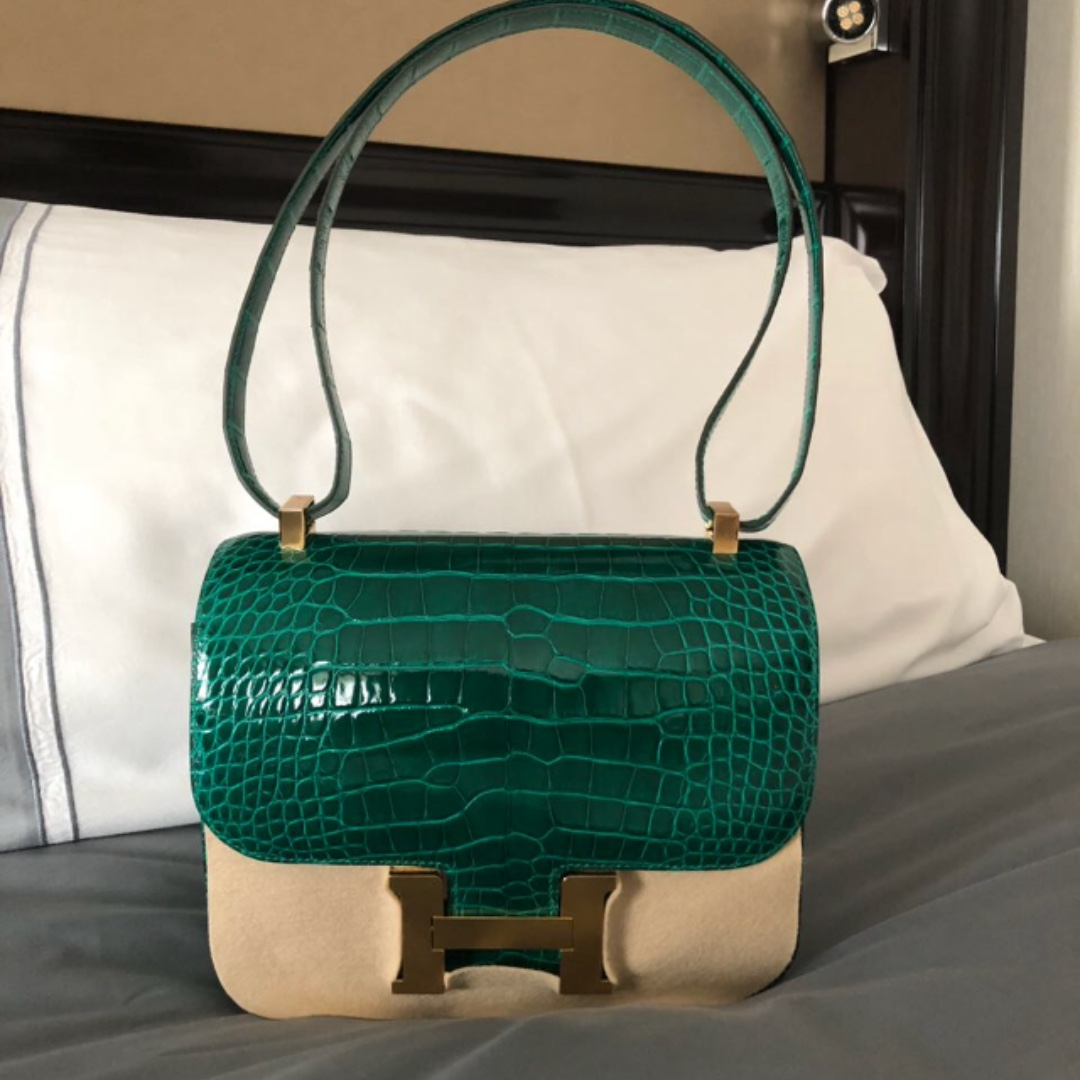 742bd7cba8 Authentic Hermes Constance 24 emerald shiny alligator ghw stamp C ...