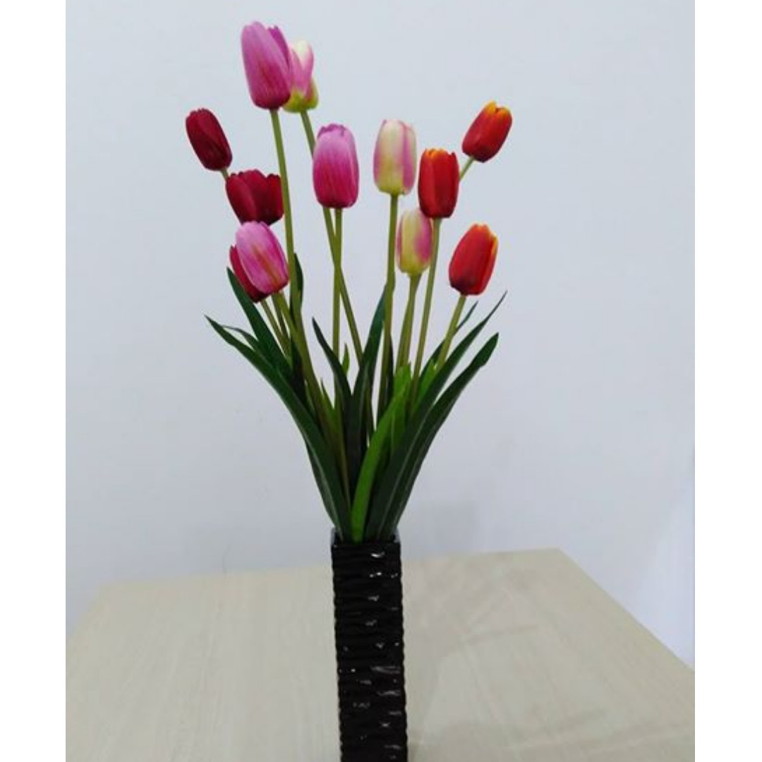 Bunga Tulip Sama Pot Perabotan Rumah Di Carousell