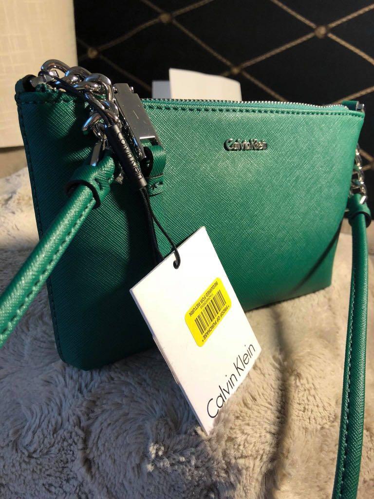 a7377121e7fc Calvin Klein Green Saffiano Leather Chainlink Crossbody Bag