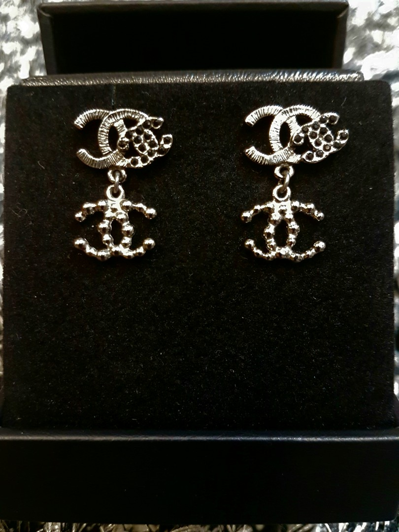 f0d1b3b9c17a Chanel Silvery Earrings with black Crystals