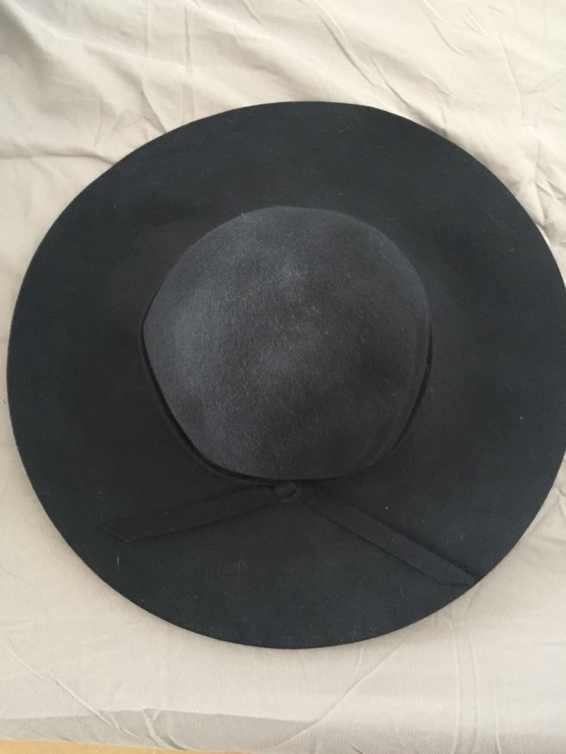 a41e4f7d2 Felt trilby hat, Women's Fashion, Accessories, Caps & Hats on Carousell