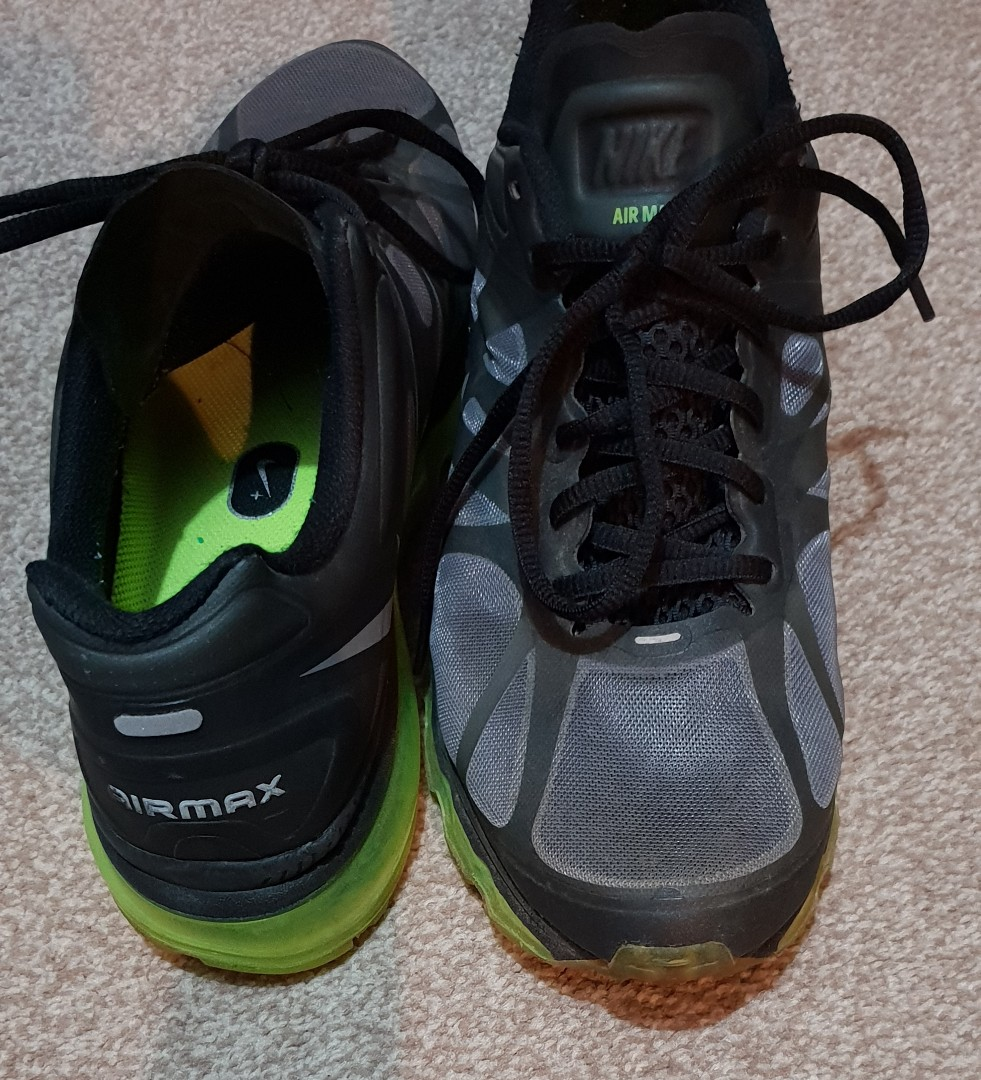 Men's size 9 Nike air max