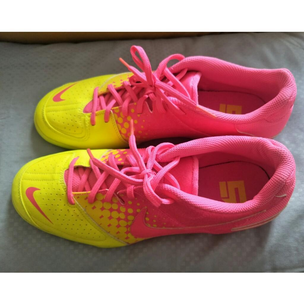 0ded33ea7 Nike Futsal Shoes