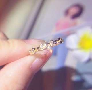 18K金鑽石波浪皇冠戒指