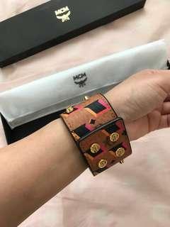 Mcm 手環