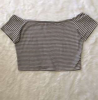 🌻Divided by H&M crop top
