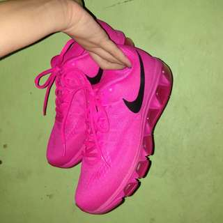NIKE (running shoes)